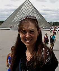 Wendy-at-Louvre-thumbnail-210x276