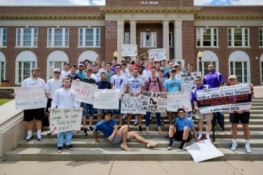 walk-a-mile-in-her-shoes_33496763820_o