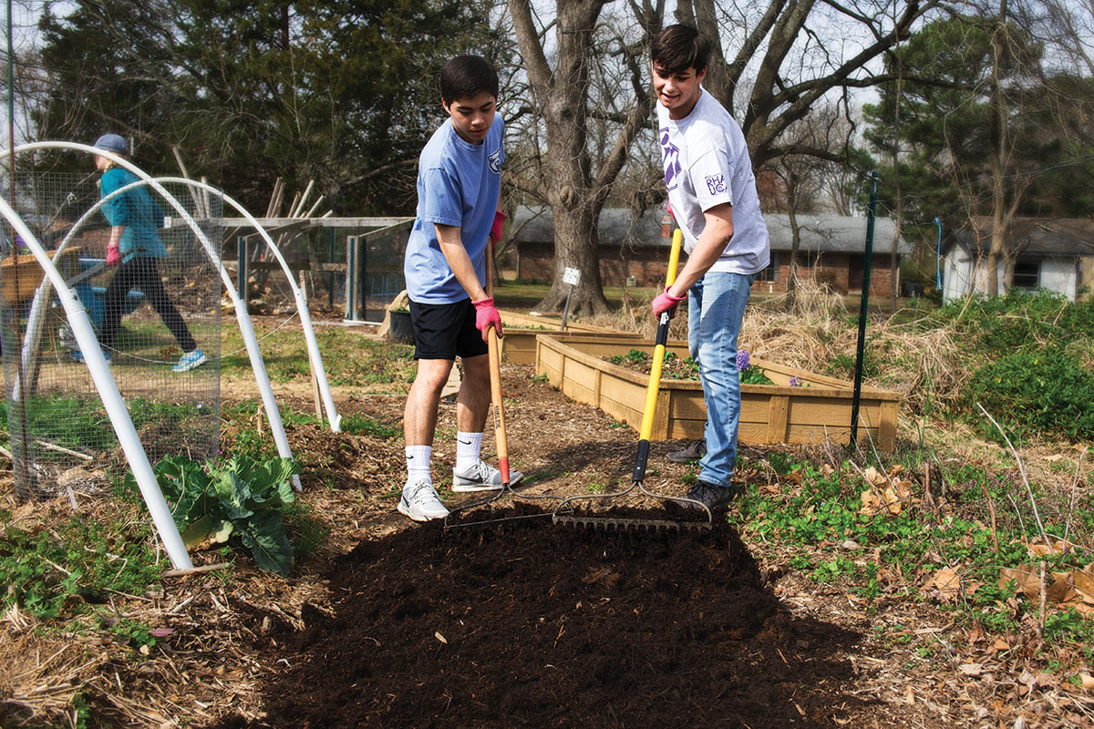 This year was the fifth that the University of Central Arkansas presented The Big Event. Volunteer projects included yard work at a local shelter, mulching a community garden and organizing items at a local thrift shop.
