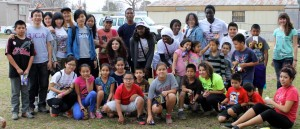 International students perform volunteer work