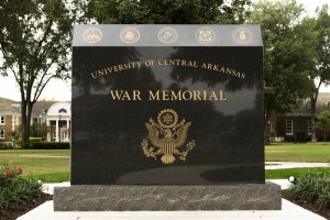 WAR MEMORIAL DEDICATION SET FOR  THURSDAY, NOV. 3