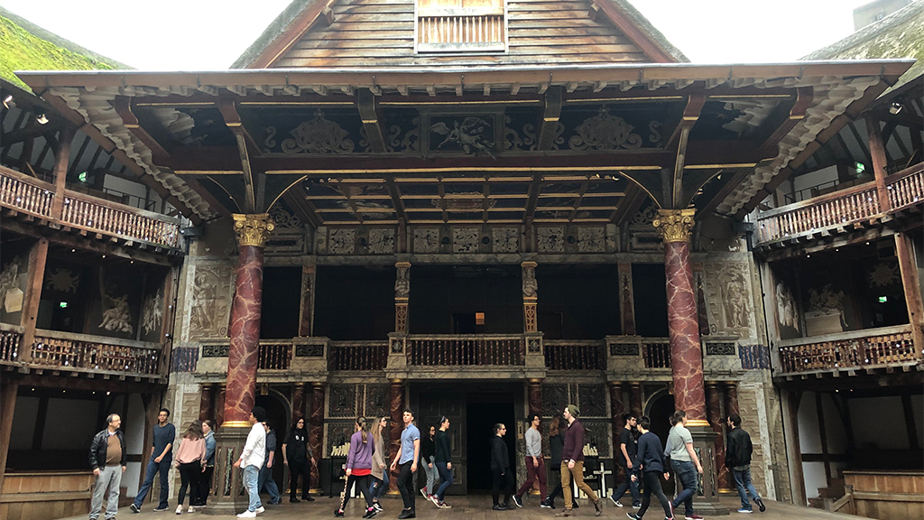 UCA Theatre in London - Study Abroad - The Globe Theatre