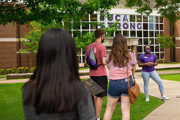 Visit Campus - Social Distancing